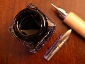 ink pot and nibs 130096 m